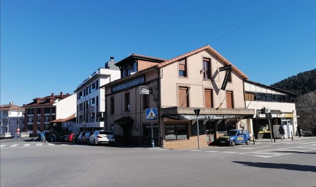 Business for sale in Solares - € 270,000 (Ref: 5933363)