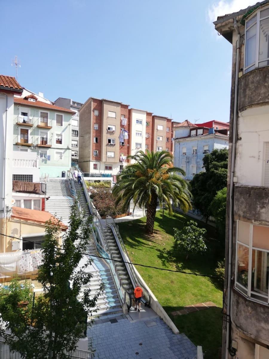 3 soveværelse Lejlighed til leje i Santander - € 550 (Ref: 6232391)