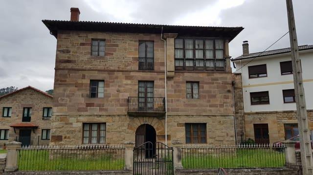 5 bedroom Villa for sale in Arenas de Iguna - € 149,000 (Ref: 6243049)