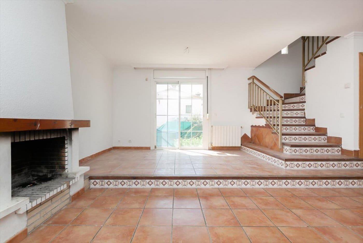 Adosado de 4 habitaciones en El Vendrell en venta con piscina - 119.500 € (Ref: 5049348)