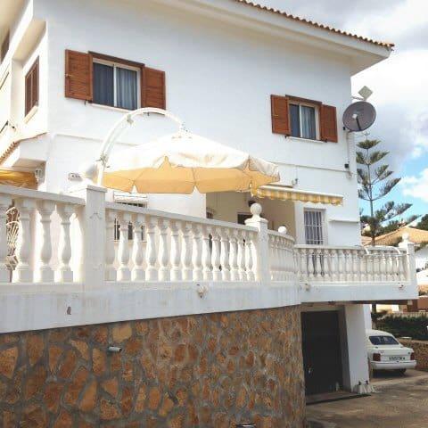 3 soverom Rekkehus til leie i La Nucia med svømmebasseng garasje - € 850 (Ref: 5849781)