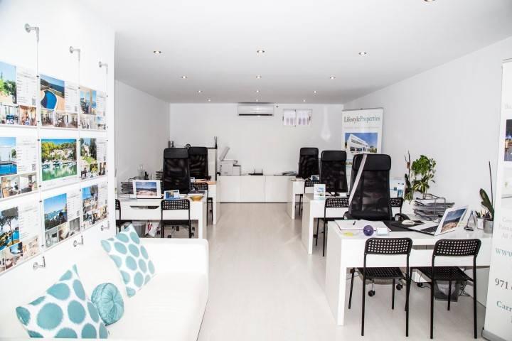 Kontor til salgs i Santa Ponsa - € 170 000 (Ref: 3824694)