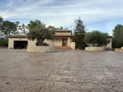 3 bedroom Finca/Country House for sale in Puntiro with pool - € 900,000 (Ref: 5037179)