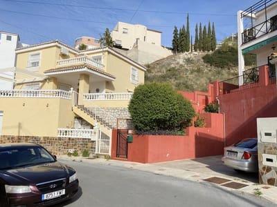 4 bedroom Semi-detached Villa for sale in Malaga city with pool - € 299,000 (Ref: 5052958)