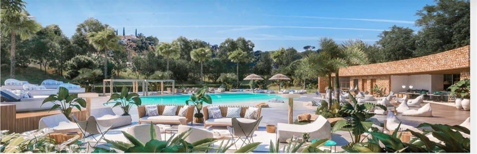 3 soveværelse Semi-Rækkehus til salg i Marbella del Este med swimmingpool - € 585.000 (Ref: 6141830)
