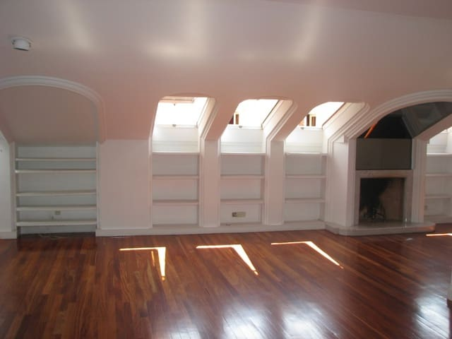 4 sypialnia Penthouse do wynajęcia w Miasto Madryt z garażem - 2 500 € (Ref: 4748086)