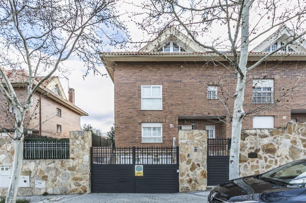 5 chambre Villa/Maison Semi-Mitoyenne à vendre à Madrid ville avec garage - 799 000 € (Ref: 5853875)