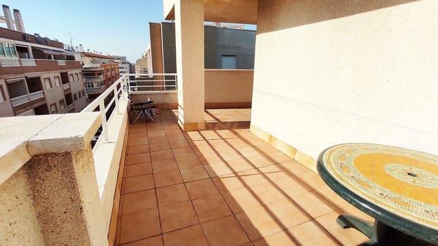 3 makuuhuone Kattohuoneisto myytävänä paikassa Torrevieja mukana uima-altaan  autotalli - 126 500 € (Ref: 5884465)