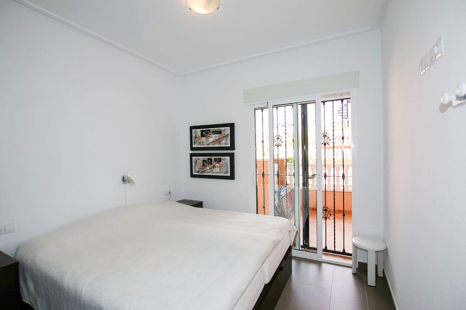 2 makuuhuone Huoneisto myytävänä paikassa Orihuela Costa mukana uima-altaan  autotalli - 149 000 € (Ref: 5903814)