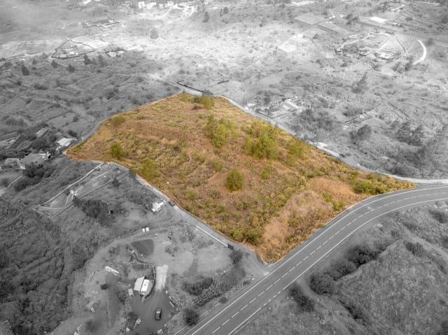 Grunde uden byggetilladelser til salg i Chio - € 45.000 (Ref: 5364444)