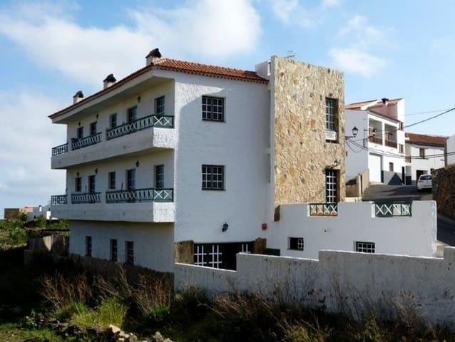 6 sypialnia Hotel na sprzedaż w Vilaflor - 395 000 € (Ref: 5577325)