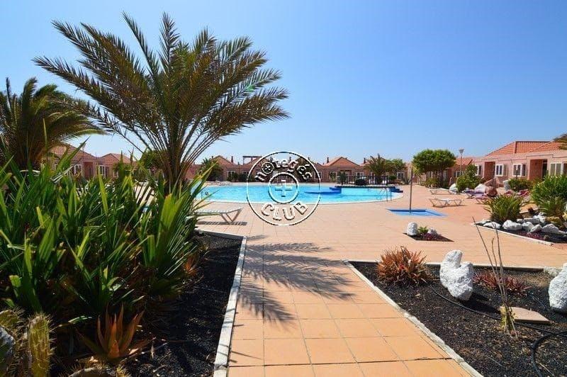 3 bedroom Apartment for sale in Costa de Antigua - € 99,500 (Ref: 3962069)