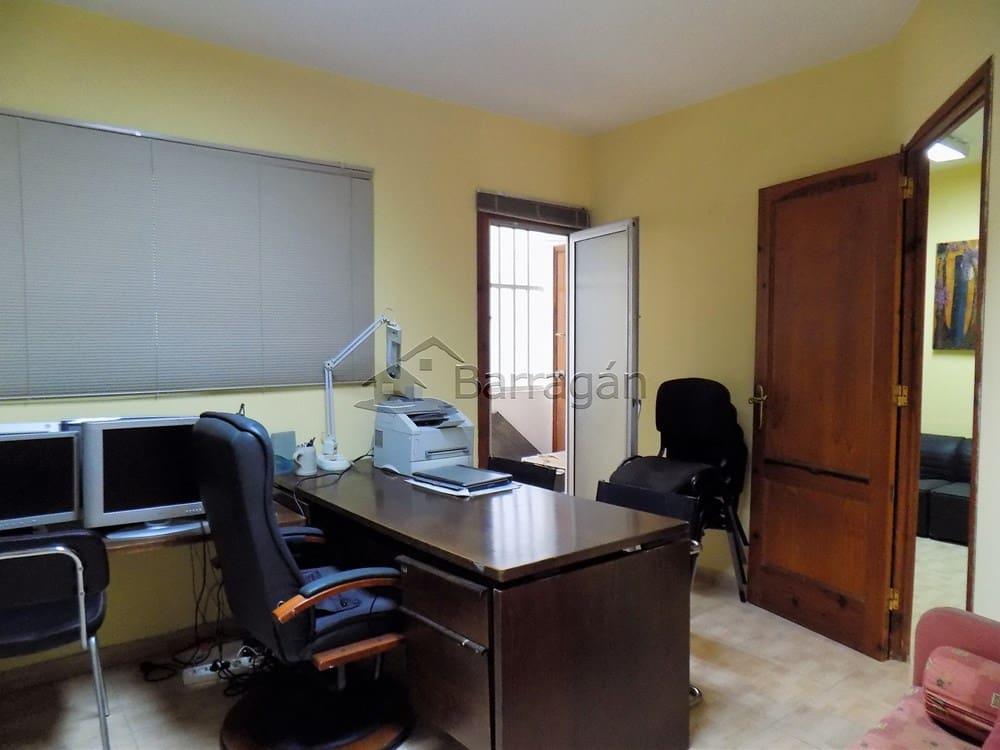 3 bedroom Flat for sale in Puerto del Rosario - € 120,000 (Ref: 4137268)