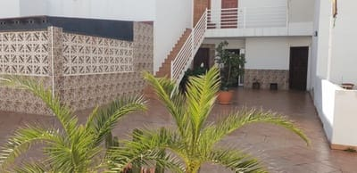 3 bedroom Flat for sale in Corralejo - € 144,000 (Ref: 4436220)