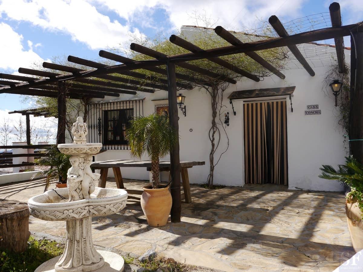 3 bedroom Villa for sale in Canillas de Aceituno with pool garage - € 345,000 (Ref: 3303445)