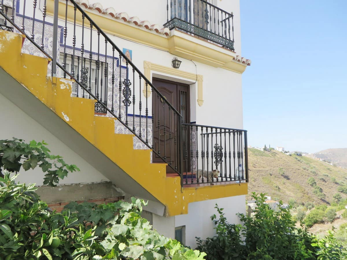 3 bedroom Apartment for sale in Competa - € 82,000 (Ref: 3306652)
