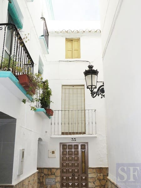 4 bedroom Townhouse for sale in Competa - € 129,000 (Ref: 3306663)