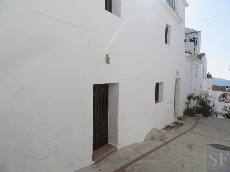 2 bedroom Townhouse for sale in Canillas de Aceituno - € 70,000 (Ref: 3306668)