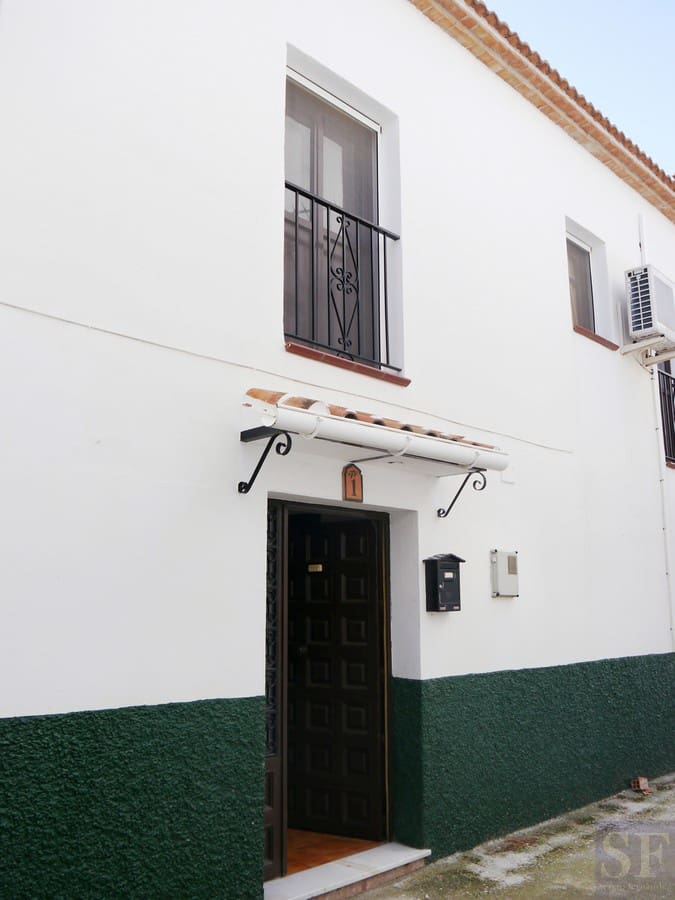 4 bedroom Townhouse for sale in Canillas de Aceituno with garage - € 390,000 (Ref: 3306686)