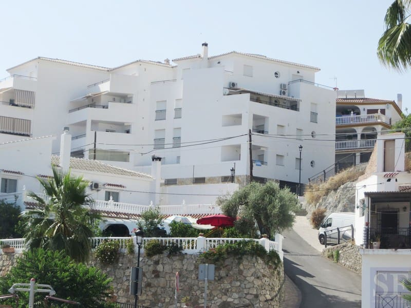 2 bedroom Apartment for sale in Canillas de Aceituno with garage - € 86,000 (Ref: 3503079)