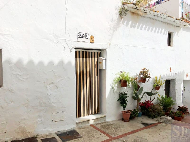 5 bedroom Townhouse for sale in Canillas de Aceituno - € 47,500 (Ref: 4570407)