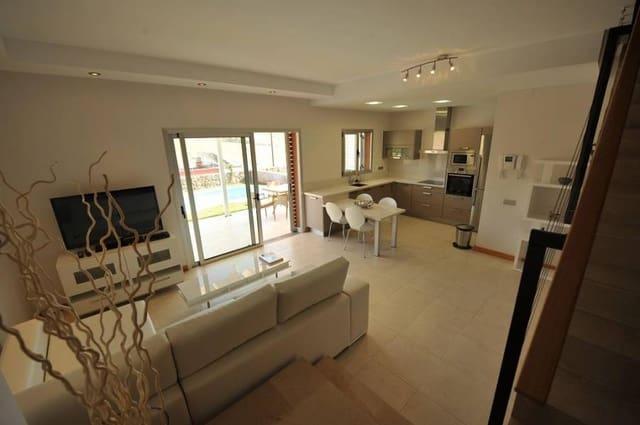 2 soverom Villa til salgs i Salobre Golf med svømmebasseng - € 460 000 (Ref: 5226751)