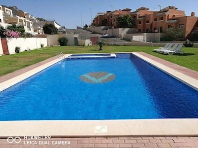 2 slaapkamer Appartement te huur in Isla Plana met zwembad garage - € 500 (Ref: 3603813)