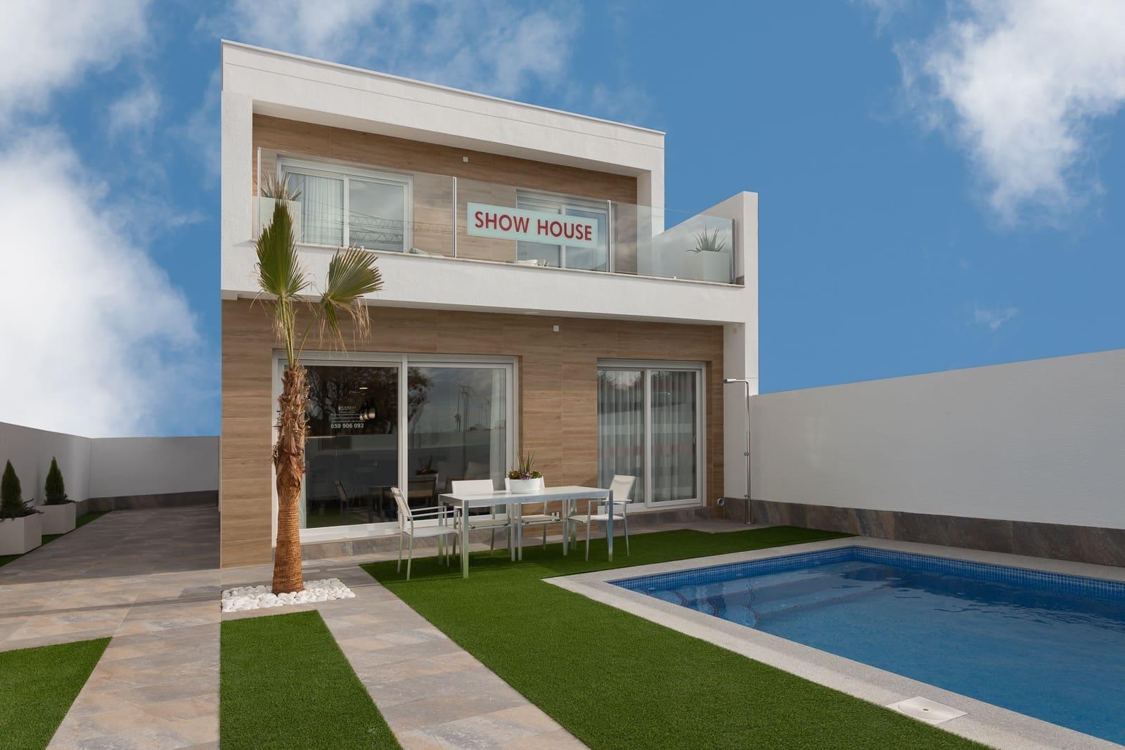 Chalet de 3 habitaciones en Pilar de la Horadada en venta con piscina - 283.000 € (Ref: 4799792)
