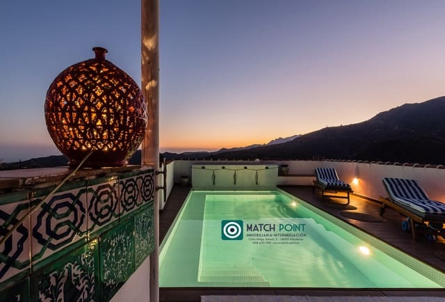 5 soveværelse Villa til leje i Lentegi med swimmingpool - € 1.000 (Ref: 5661992)