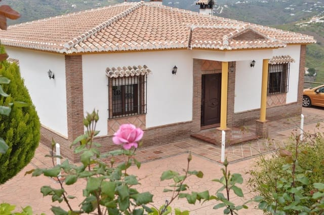 3 bedroom Finca/Country House for holiday rental in Competa with pool - € 1,500 (Ref: 6057374)