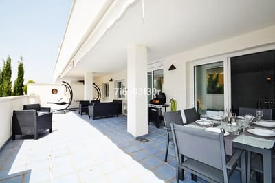 2 bedroom Apartment for holiday rental in Puerto Banus with pool garage - € 600 (Ref: 5459409)