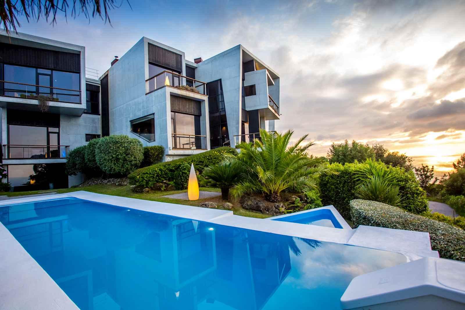 8 slaapkamer Villa te koop in Donostia-San Sebastian met zwembad garage - € 7.500.000 (Ref: 3836302)
