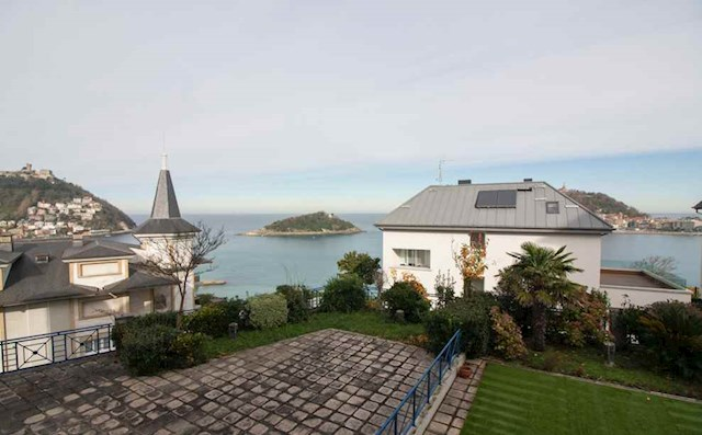 4 soverom Strandleiligheter til salgs i Donostia-San Sebastian med svømmebasseng garasje - € 1 175 000 (Ref: 3853078)