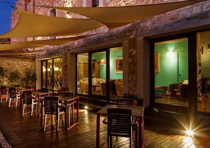 7 chambre Hôtel à vendre à Segovie ville avec garage - 998 000 € (Ref: 5072631)