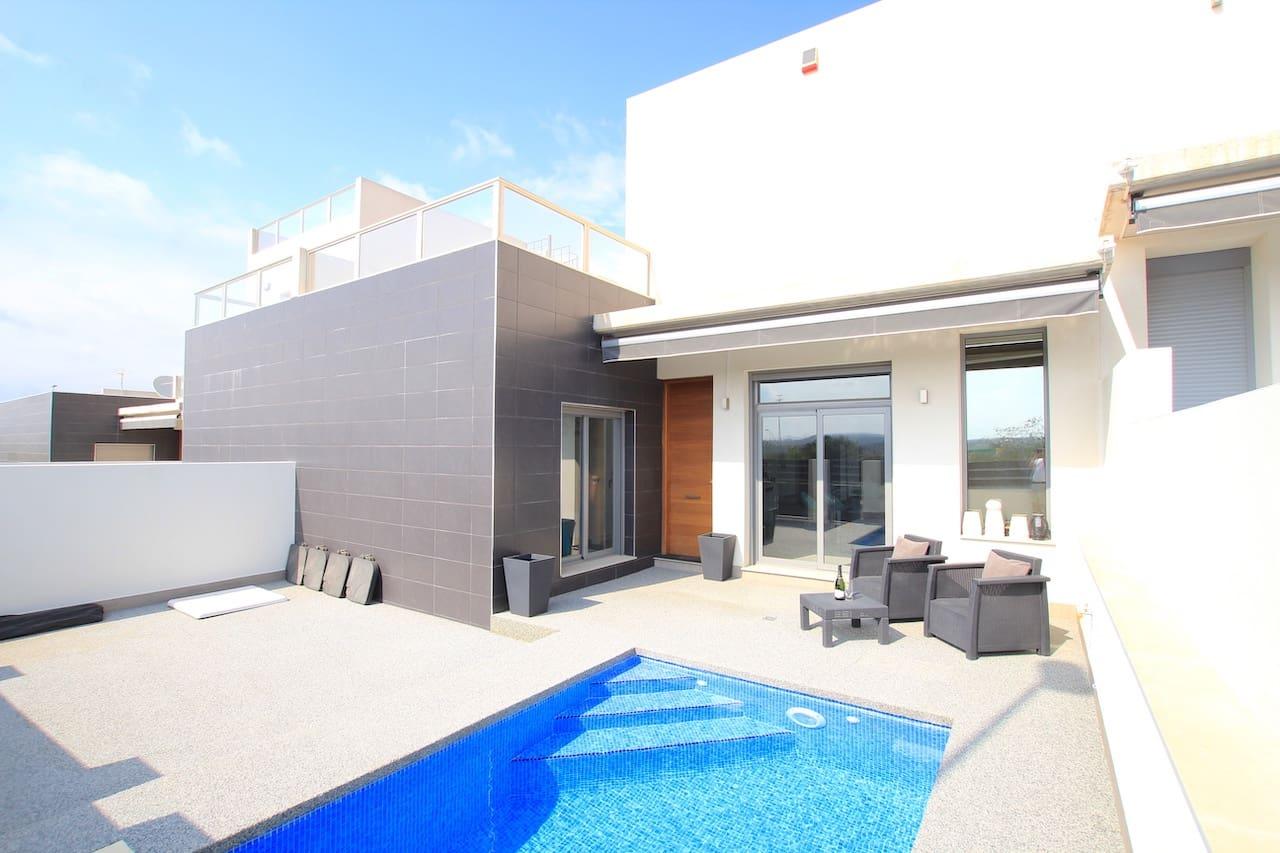 Chalet en Benijófar en venta con piscina - 215.000 € (Ref: 5009090)