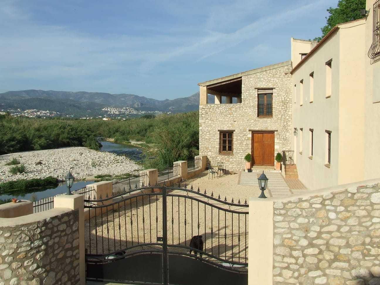 Chalet de 5 habitaciones en Beniarbeig en venta con piscina - 575.000 € (Ref: 4660085)