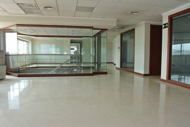 8 soveværelse Erhverv til leje i Denia - € 600 (Ref: 3517025)