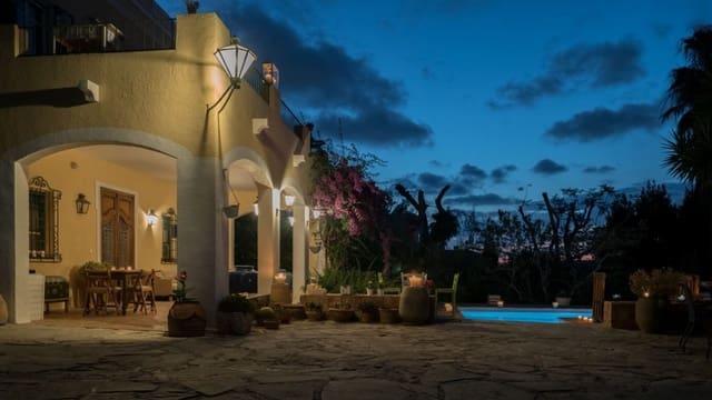 7 quarto Moradia para venda em Denia com piscina garagem - 890 000 € (Ref: 4981758)
