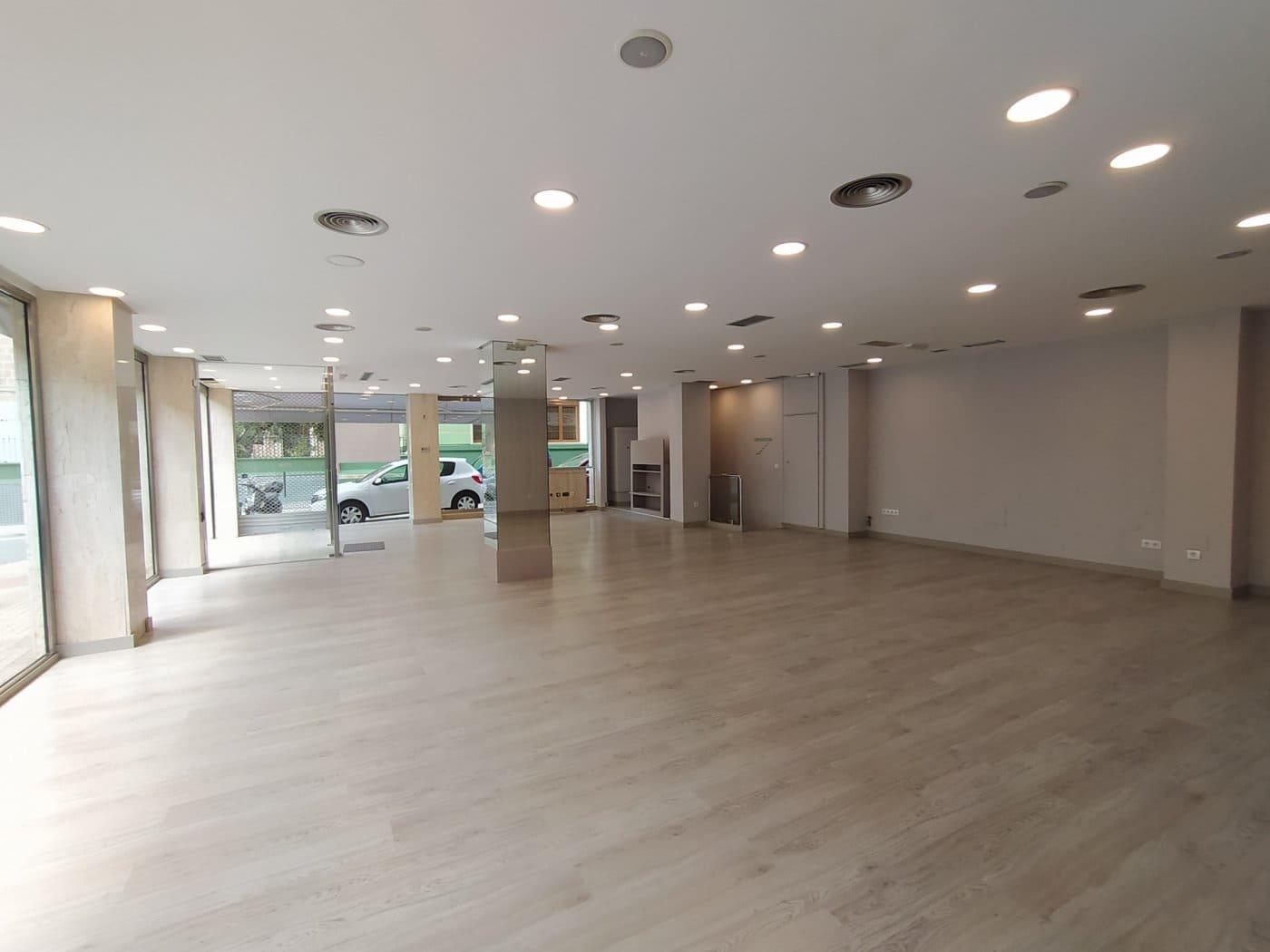 Commercieel te huur in Denia met garage - € 1.900 (Ref: 5267696)