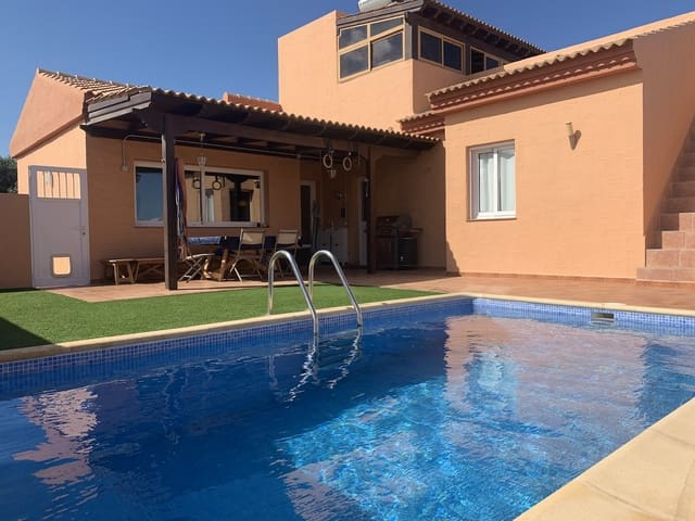 3 soverom Villa til salgs i Corralejo med svømmebasseng - € 410 000 (Ref: 5669390)