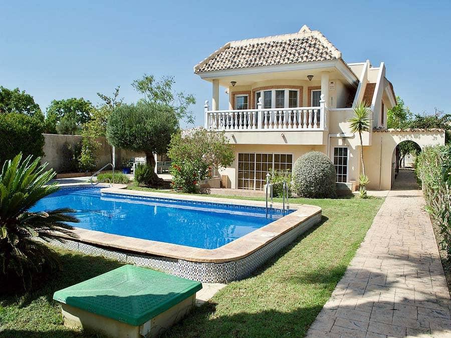 5 quarto Moradia para venda em Fortuna com piscina - 249 999 € (Ref: 4139175)