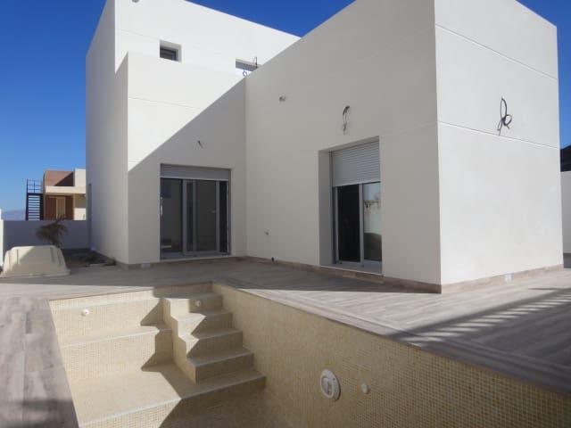 Chalet de 2 habitaciones en Benijófar en venta con piscina garaje - 189.000 € (Ref: 4582597)