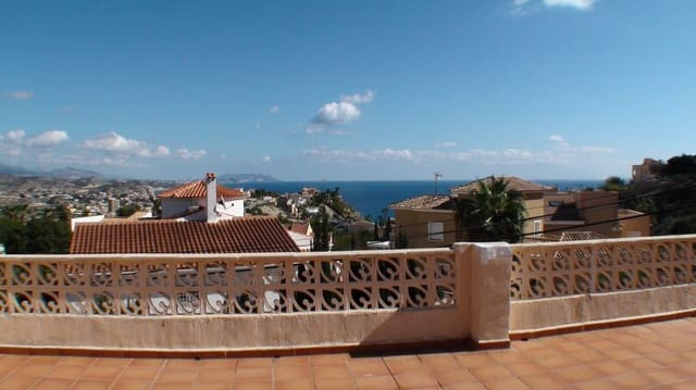 3 soveværelse Villa til salg i Cala d'Or med swimmingpool - € 249.000 (Ref: 5887242)