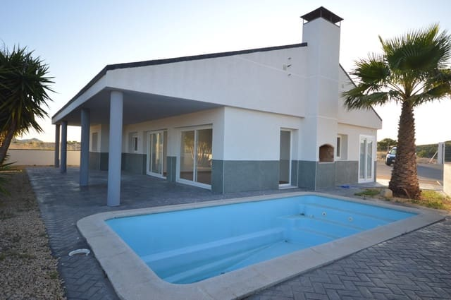 3 sypialnia Willa na sprzedaż w Pinoso z basenem - 155 000 € (Ref: 5017452)