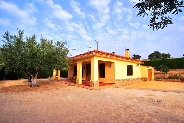 4 bedroom Villa for sale in Ontinyent with pool - € 175,000 (Ref: 5554346)