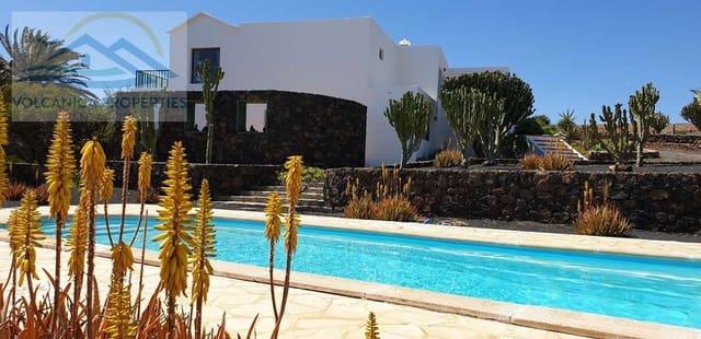 5 sypialnia Willa na sprzedaż w Teseguite z basenem garażem - 420 000 € (Ref: 3760684)