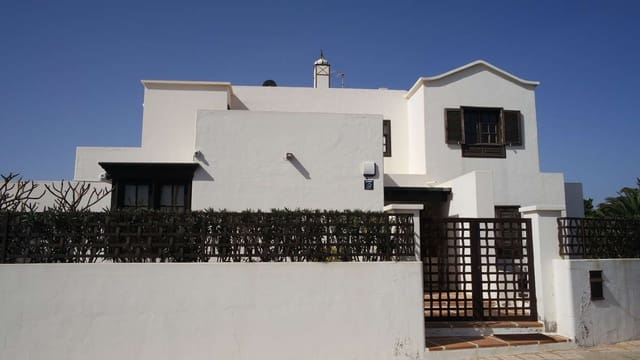 5 bedroom Villa for sale in Playa del Cable with pool garage - € 1,250,000 (Ref: 4661572)
