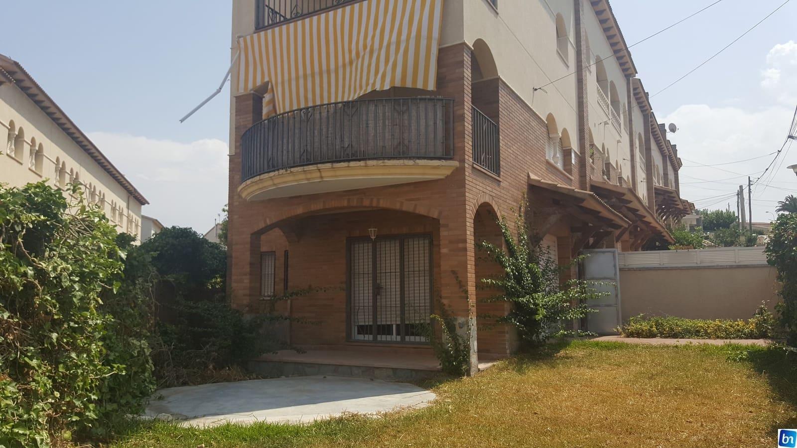 Adosado de 3 habitaciones en El Vendrell en venta - 193.400 € (Ref: 5009573)