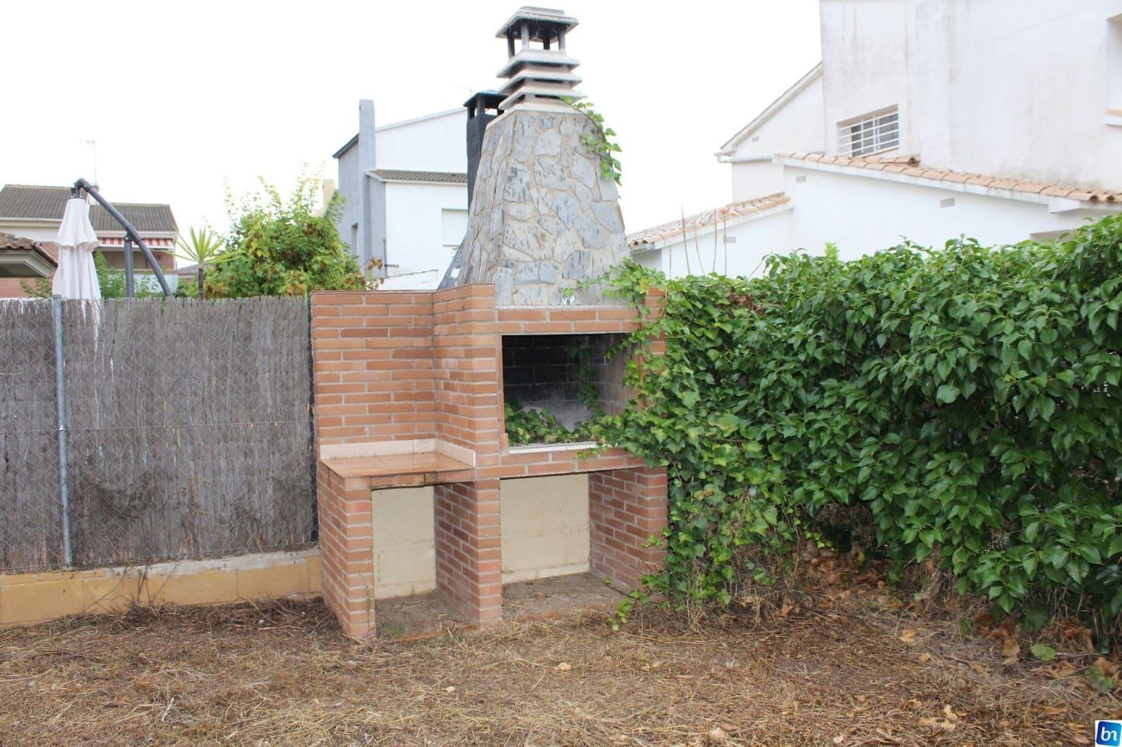 Chalet de 4 habitaciones en Torredembarra en venta con garaje - 298.500 € (Ref: 5009650)