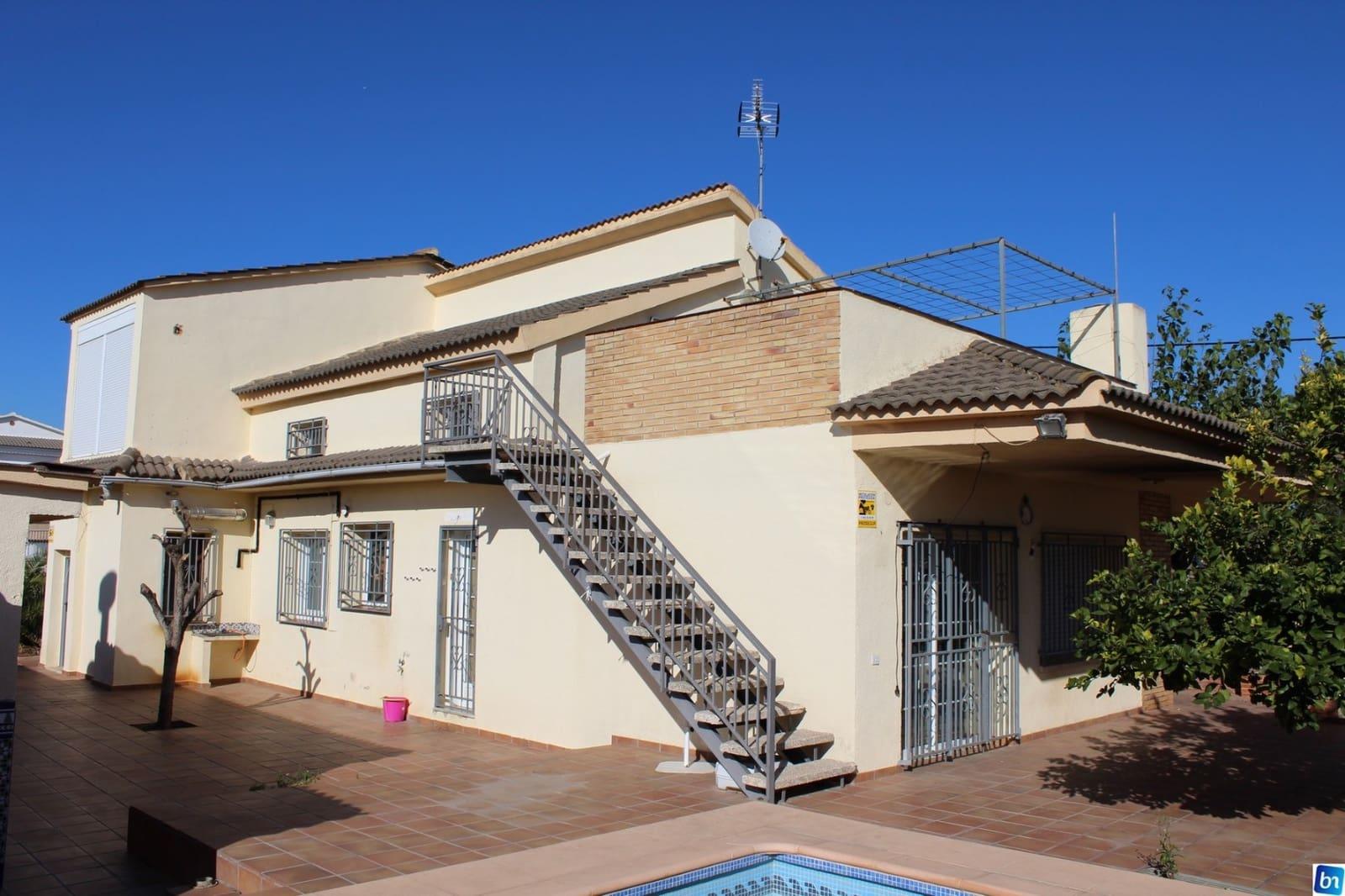 Chalet de 4 habitaciones en Santa Oliva en venta con garaje - 210.000 € (Ref: 5009660)